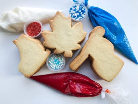 Oh! Canada, Eh DIY Packs. 12 cookies, 3 icings (red, white, blue) 3 sprinkle sets