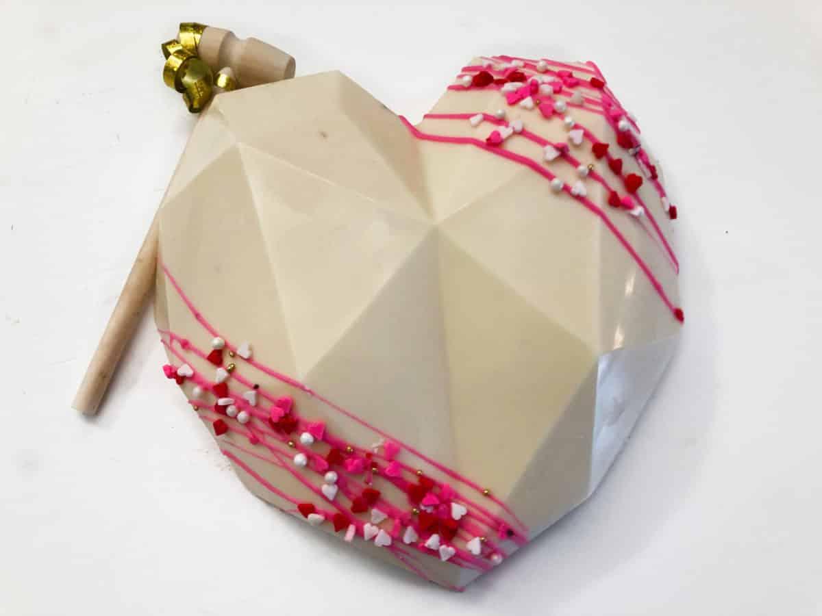 white-pink-heart-single